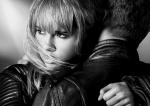 버버리가 브리티시 뮤지션 조지 버넷과 모델이자 배우인 수키 워터 하우스에게서 영감을 받아 새로운 브릿 리듬 컬렉션 캠페인을 공개했다