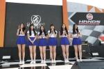 인기 아이돌 걸그룹 여자친구가 핸즈 모터스포츠 페스티벌 2015 개막전의 마지막을 장식했다