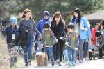 아름다운 산행을 하고 있는 참가자들