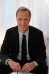 힐튼월드와이드(Hilton Worldwide)가 현대적 매너의 '해야 할 것'과 '하지 말아야 할 것'을 조명하기 위해 수상 경력을 자랑하는 저널리스트이자 작가, 성적소수자(LGBT) 전문가인 스티븐 페트로우(Steven Petrow)와 손을 잡았다.