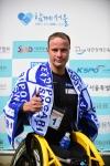 제23회 서울국제휠체어마라톤대회에서 우승한 스위스의 마르셀 훅