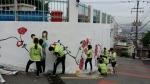 사회복무벽화지원단과 산복도로르네상스 수정5동 주민협의회가 23일 부산 동구 수정5동 산복도로에서 벽화그리기 재능봉사를 실시하였다.