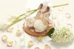 허니비토가 프러포즈를 준비하는 예비신랑들을 위해 유리돔 할인 & 이니셜 각인 무료 이벤트를 실시한다. 사진은 유리돔 웨딩슈즈