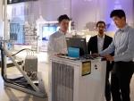 SK텔레콤과 세계적인 통신 기술 · 서비스 기업 에릭슨은 22일(현지시각) 스웨덴 스톡홀름 소재 에릭슨 본사에 실생활 환경을 구축하고, 스몰셀 기지국간 간섭 문제를 해결해주는 5G 기술 초저간섭 스몰셀 시연에 성공했다.