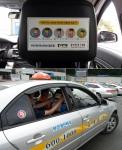 홍선생미술은 부산 개인택시운송사업조합에 기침예절 스티커를 무료로 배부했다