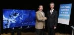 최근 미국 AV전문 유통업체 밸류 일렉트로닉스가 주관하는 TV 화질 비교 평가에서 65형 LG 울트라 올레드 TV(65EG9600)가 1위를 차지하며 King of TV에 선정됐다.