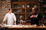 제3회 미국육류수출협회 소비자 체험단 발대식 행사에서, 미국산 소고기 홍보모델 방송인 리키 김과 최원진 셰프가 이마트에서 판매 중인 미국산 소고기 브랜드 록키 마운틴 스테이크 제품을 활용한 요리를 시연하고 있다.