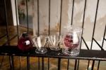 와인 1병 (2잔분량), 와인잔 2개 한세트로 구성되어있다.