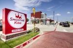 스무디킹은 지난 6월 미국 텍사스주 알링턴시에 드라이브 스루 매장을 개장했다