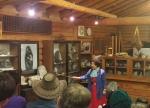 코레일투어(주)의 정선1박 상품을 이용하면 옥산장의 전옥매여사님의 돌과 이야기를 듣는 특별한 경험을 할 수 있다