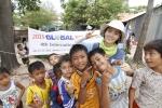 체험활동 진행중 빈민지역 청소년들과 함께 (사진제공: 하이서울유스호스텔)
