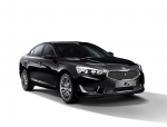 기아자동차는 17일(월) HID헤드램프와 LED 포그램프를 기본사양으로 적용해 외관에 고급스러움을 더한 '2016 K7'을 출시한다.