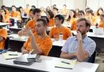 여성가족부와 한국청소년단체협의회가 지난 2014년 8월 20일부터 27일까지 서울과 무주일원에서 전 세계 40여개국 80명의 청소년들의 참여속에 개최한 '제25회 국제청소년포럼'에서, 참가자들이 회의를 하고 있다.