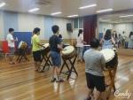 한소리 음악동아리 친구들이 공연 준비를 하고 있다.