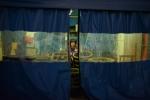 매그넘포토스 데이빗 알란 하비의 카메라에 포착된 '부산 충무동 새벽시장, 2013년 작품