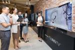 삼성전자가 백화점서 SUHD TV 간송 문화전을 실시한다