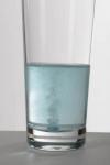 애비뉴 네오(Avinew™ NeO)가 물에 녹는 모습