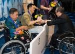 제32회 전국장애인기능경기대회 폐회식에서 박승규 한국장애인고용공단 이사장이 수상자에게 시상하고 있다