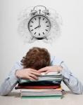 잡서치가 취업전문포털 파인드잡과 공동으로 직장인 693명을 대상으로 하루 평균 근로시간과 발전 체감도의 상관관계를 10점 척도로 설문 조사한 결과, 직장인의 근로시간이 길어질수록 업무적으로 발전하고 있다고 생각하는 비율이 떨어지는 것으로 나타났다