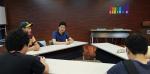 라이징팝스와 아스피린센터와 공동주최한 '이데아를 디자인하다'에서 참가한 학생들이 토론을 하고 있다