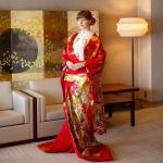 투숙객들은 일본 전통 혼례에서 신부가 입는 기모노를 착용하는 체험을 할 수 있다.