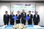 합작회사 설립 조인식: 키마타 요시히코 오사카 가스 동남아시아 대표(좌에서부터 세번째). 차크리에 부라나카논다 PTT 수석 부사장(우에서부터 세번째)