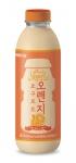 서울우유협동조합이 오렌지 과즙의 상큼함을 더한 새로운 타입의 대용량 액상요구르트 오렌지 요구르트를 출시했다