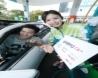 KT는 올레 멤버십 포인트로 주유‧세차‧정비 할인 등 차량 관련 서비스는 물론 다양한 생활 서비스 할인 혜택까지 제공하는 자동차 토탈 혜택 패키지 '올레 멤버십 Car+(카플러스)'를 출시했다고 4일 밝혔다. 사진은 분당에 위치한 GS칼텍스 주유소에서 KT모델들이 '올레 멤버십 Car+'를 소개하고 있는 모습.