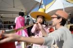 25일 서울 강북구 북서울꿈의 숲에서 열린 2015전국생활문화제의 체험존에서 참가자가 전통악기인 나발을 체험하고 있다.