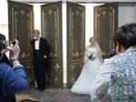 6.25 참전용사 결혼사진 촬영에 노부부 13쌍이 함께했다