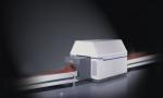 SureScan x1000은 TSA 인증을 받은 최초의 멀티에너지 고정식 갠트리형 수하물 폭발물 탐지 시스템(CT EDS)이며, 현재는 ECAC EDS 3를 획득한 제품이다.