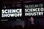 스티브 크로스 박사가 설립한 과학 코미디쇼, 사이언스 쇼오프 Science Showoff 무대 현장 (사진제공: 주한영국문화원)