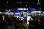 11월 30일부터 12월 4일까지 미국 시카고에서 열리는 제 101회 북미영상의학회에서 삼성 최초의 CT를 공개하는 삼성전자 부스에 몰려든 참관객들의 모습