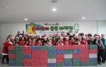 몰래산타 선물포장 후 단체 사진(안양)