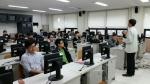 특허와브랜드관리 교과목 시간에 한국지식재산전략원에서 파견 나온 전문가로부터 특허출원 수업을 듣고 있는 동명대 재학생들