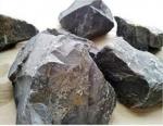 강원도 광산과 광산에서 채굴된 돌가루 원료 광석 (사진제공: 인토농산)