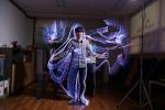 프로젝트룩 사진창의예술교육 시간에 빛으로 그림을 그리고 있다.