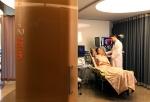 청담동에 이치한 차움 프리미엄건진센터 검진하이브(1인VIP룸)에서 면역특화검진을 받고 있다