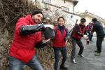 한국지멘스 더 나눔 봉사단이 지난 22일 서울 노원구 서울연탄은행을 찾아 소외된 이웃을 위한 사랑의 연탄 나눔 봉사활동을 펼쳤다