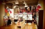 밸런타인데이를 앞두고 동경에 위치한 한류 화장품 편집숍 스킨가든은 시즌에 맞춘 다양한 한국 화장품을 구성하여 고객들을 맞고 있다.