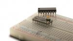 노르딕 세미컨덕터의 nRF51822 SoC를 채택한 'OSHChip' 오픈소스 모듈