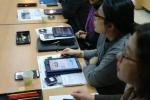 박물관 관계자가 교육 솔루션 크래커를 활용해 스마트 박물관 프로그램에 관한 연수를 받고 있다 (사진제공: 인스에듀테인먼트)