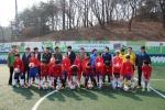 슈팅스타 축구교실 단체 사진을 찍는 모습이다