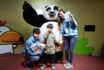 한국먼디파마가 주렁주렁 빅마켓킨텍스점을 찾은 어린이들에게 메디폼®H 주니어를 깜짝 선물했다