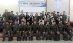 육군61사단 상승인성아카데미 수료식의 교수진과 간부수료생들
