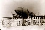 1945년 8월 18일 산둥성 유현비행기장에 불시착한 광복군정진대원들과 환영 중국인사들