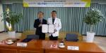 국립나주병원이 21일 오후 4시 국립나주병원 2층 교육실에서 한국농촌경제연구원과 기업정신건강증진사업 확대 추진을 위한 업무협약을 체결했다