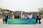 코스메틱인사이드코리아에 베트남, 말레이시아 등의 동아시아, 일본, 중국 등 8개국 35개사 바이어가 전시장을 방문하였다