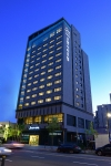 천안 오엔시티호텔 야간 전경 모습이다