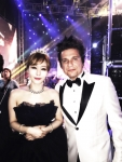 이사벨이 2016 아시아 모델 어워즈에서 아시아 특별상 크로스오버 부문을 수상했다